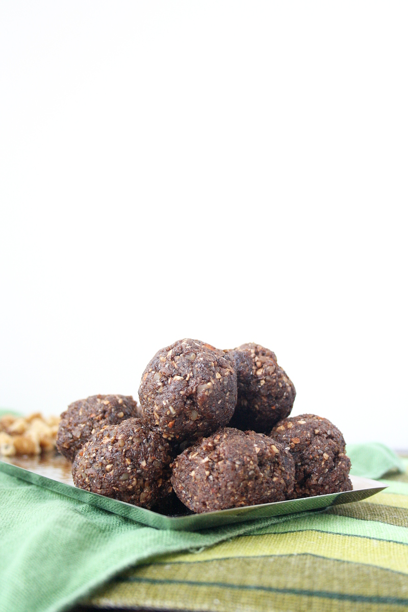 raw-vegan-energy-balls-5